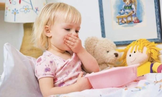 У детей старшего возраста очень часто возникает рвота и тошнота