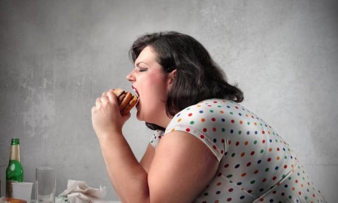 Неправильное питание провоцирует нарушение работы поджелудочной железы