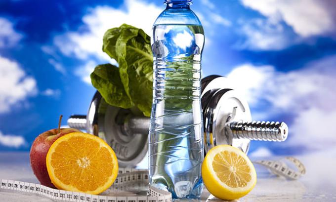 Чтобы улучшить работу сердечно-сосудистой системы, нужно вести активный образ жизни, заниматься спортом, дышать свежим воздухом, следить за свои весом
