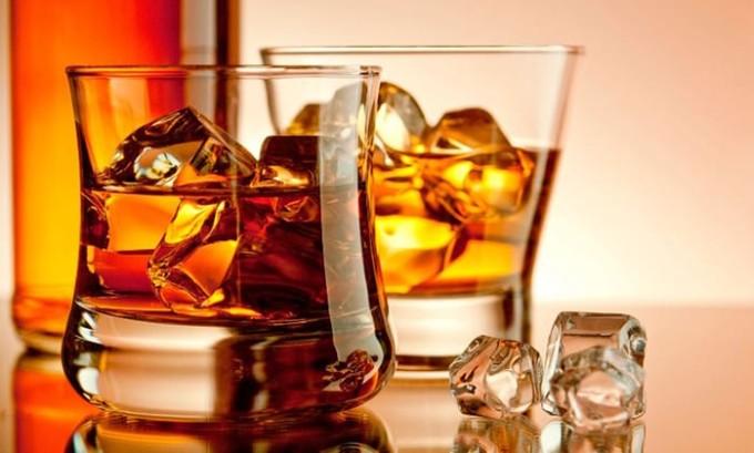 Злоупотребление спиртными напитками или лекарственными препаратами - наиболее распространенные причины недуга