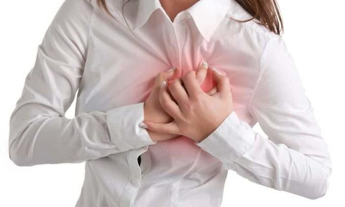 При нехватке гормонов может появится аритмия