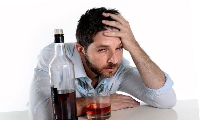 Диагностика и лечение герпеса осложняется табакокурением и употреблением алкоголя