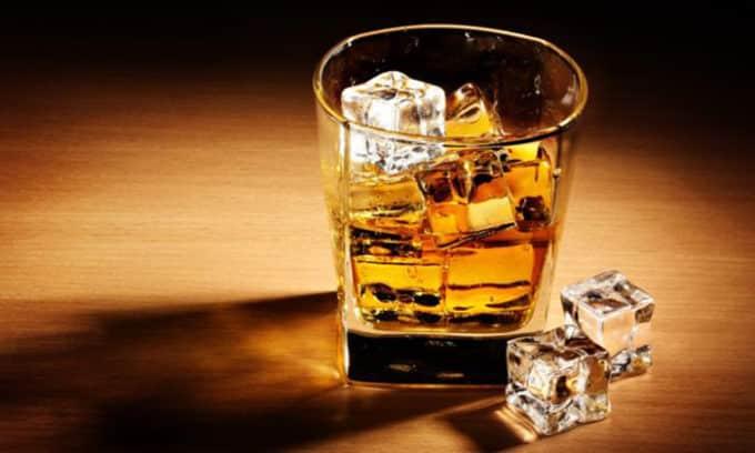 Следует забыть об алкогольных напитках, придется на некоторое время воздержаться от половой жизни