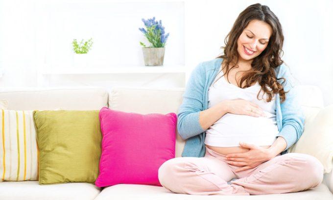 Особое внимание уделяют женщинам, которые готовятся стать мамами, ведь их щитовидная железа работает в усиленном режиме: для мамы и ее ребенка