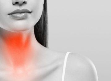 Как проводится лечение хронического тиреоидита щитовидной железы?