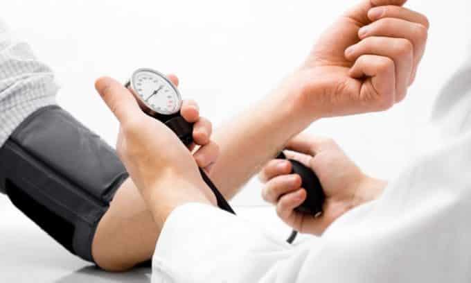 Узловая гиперплазия щитовидной железы сопровождается повышением давления