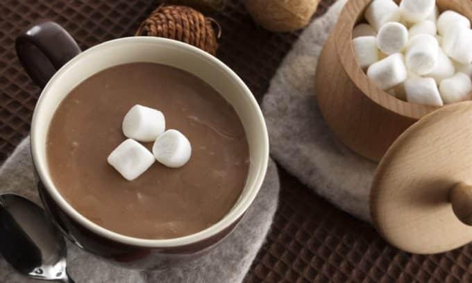 При заболеваниях поджелудочной железы необходимо полностью исключить из рациона какао
