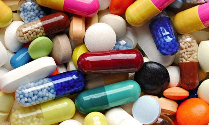 Могут быть назначены препараты для регулирования уровня гормонов, лекарства для регулирования кровообращения, снятия отека и воспаления