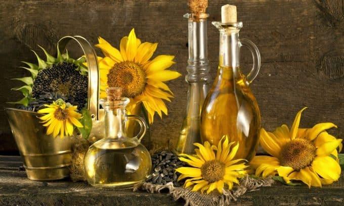 При панкреатите исключаются жиры животного происхождения, отдается предпочтение растительным маслам
