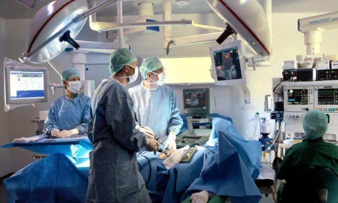 После проведенного хирургического вмешательства также широко используются методики магнитной терапии, определения динамики улучшения здоровья