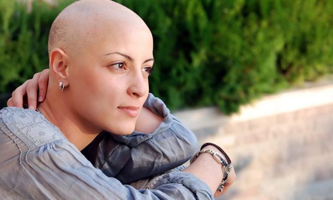 Могут привести к началу развития кисты щитовидной железы проведение химиотерапии или лучевой терапии, наличие онкологических заболеваний