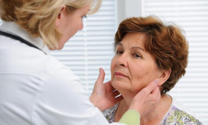 У женщин киста щитовидной железы встречается в 4 раза чаще