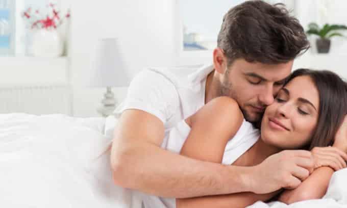 У женщин и мужчин может возникать цистит медового месяца. Это связано с активной половой жизнью человека