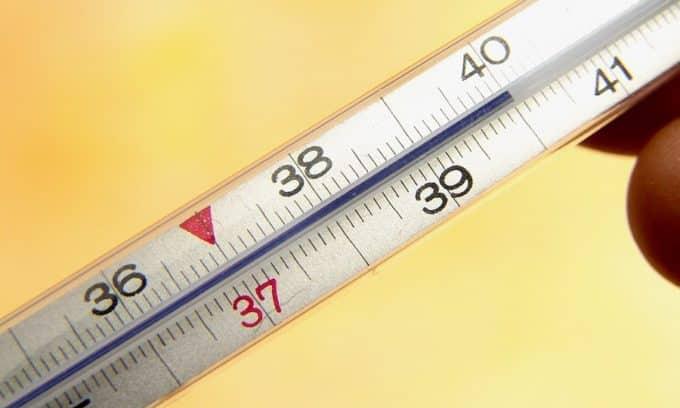Повышение температуры - симптом цистита при беременности