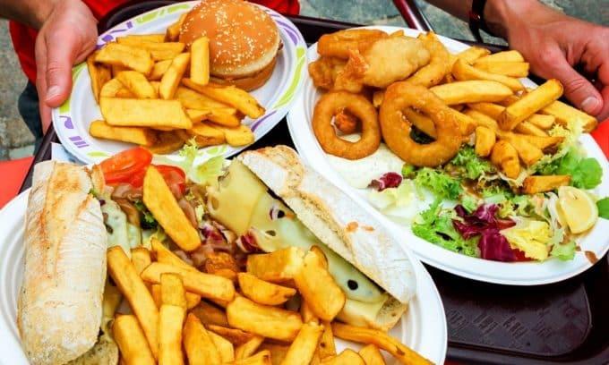 Неправильное питание может стать толчком к образованию грыжи