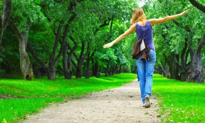 Прогулки на свежем воздухе неплохой способ избежать грыжи в шейном отделе