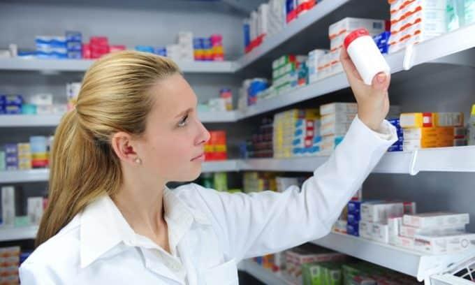Раствор формалина 25% можно купить в любой аптеке, при этом его стоимость совсем не большая, но эффект достаточно высокий