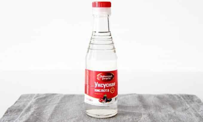 Существует не мало рецептов с уксусной кислотой для приготовления ванночек для ног