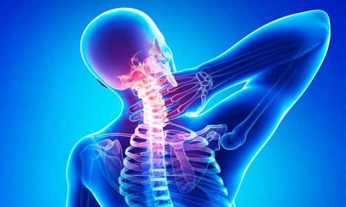 Остеохондроз может появиться из за плоскостопием