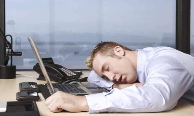 Ощущение усталости во второй половине дня является проявлением патологии