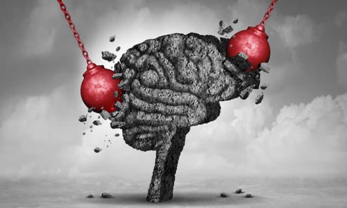 При это у человека происходит разрушение клеток мозга