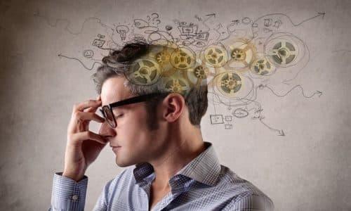 Некоторые ученые выделяют 4 стадию развития алкогольной зависимости. Для нее характерно нарушение мыслительной функции